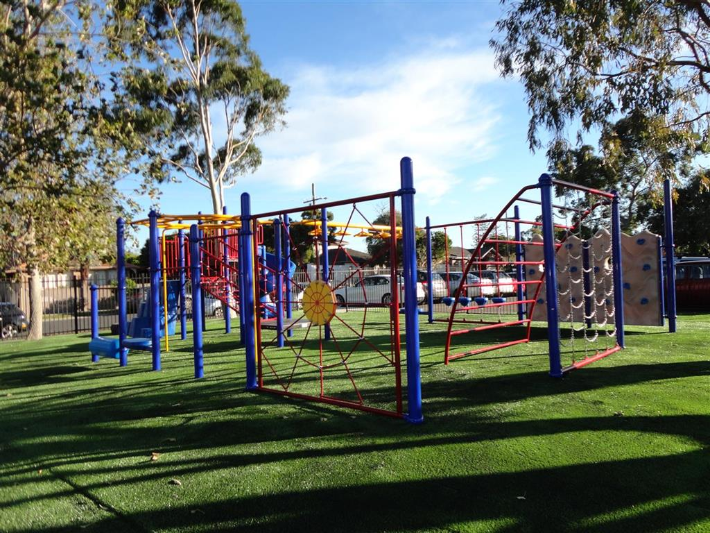 Kingswood P.S. Play System 3